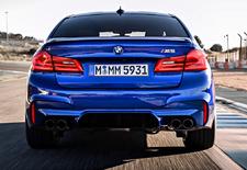 Dat de BMW M5 een verduiveld snelle machine is, hoeft niet te verbazen. Maar dat hij de Nordschleife rondt in 7.38,92 doet ons wel opkijken. Bekijk de Nürburgring-video van de met xDrive-vierwielaandrijving gezegende F90-generatie.