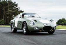 De unieke Aston Martin DP215 Grand Touring Competition Prototype uit 1963 gaat onder de hamer. RM Sotheby's hoopt op een bedrag van dik 20 miljoen euro.