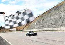 Donkervoort heeft een nieuwe, nog heftigere GTO-variant klaargestoomd. Op het circuit is de R even snel als een GT3-racewagen. Bekijk de video!