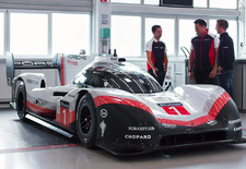 De Porsche 919 Hybrid is een razendsnelle LMP1-machine. De Evo-versie is nog een stuk sneller, zoals blijkt uit de recordrondes op Spa-Francorchamps en op de Nordschleife van de Nürburgring. Hoe doet Porsche dat?