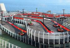 Een cruise iets voor oude mensen? Niet als je met de Norwegian Joy op reis bent, want op het dek vind je een Ferrari-racebaan voor elektrische karts.