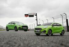 Is de Ford Puma ST sneller dan zijn radiogestuurde replica? Het Circuit van Brands Hatch speelt scherprechter. Bekijk de video!