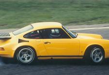 Op het Autosalon van Genève kwam Porsche-tuner Ruf met een hommage aan de legendarische Yellowbird aanzetten, de ideale gelegenheid om dit beklijvende beeldmateriaal vanop de Nordschleife nog eens te bekijken. Genieten!