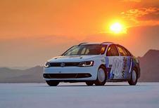FLIRTEN MET DE 300 KM/U: Volkswagen Jetta Hybrid