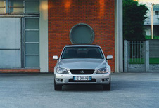 Lexus IS IS 200 Executive (1999)