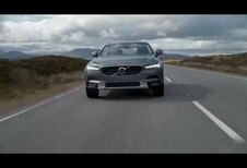 Volvo V90 Cross Country dans les paysages sauvages