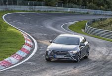 Opel Insignia GSi : en démo sur le Nürburgring