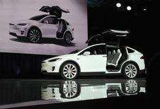 Tesla rappelle 11.000 Model X