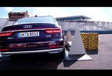 Avec son Pre Sense Side, l'Audi A8 se soulève pour vous protéger