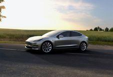 Tesla Model 3 livrée à de vrais clients