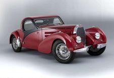 Rétromobile : Bugatti, Ferrari et Maserati au top des enchères