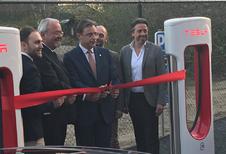 Extra Tesla Superchargerstation in Antwerpen geopend