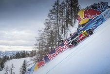 INSOLITE – Audi e-tron : il grimpe une piste de ski