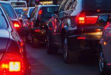 Ondanks files blijft auto sneller dan het openbaar vervoer