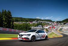 Renault Mégane RS Trophy-R verslaat Honda ook op Spa