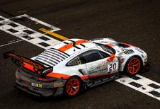 Porsche-dubbelslag in natte 24 uur van Spa-Francorchamps - met fotoalbum
