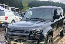 Nieuwe Land Rover Defender naakt gespot op set James Bond!