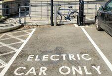 Le Royaume-Uni veut interdire les hybrides et les thermiques en 2035
