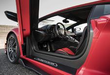 Oeps: nieuwe fabrieksmedewerker sluit eigenaars op in Aventador SVJ #1