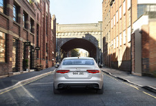 Ook Jaguar XE krijgt nieuwste infotainment en MHEV-diesel
