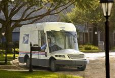 Amerikaanse postbodes krijgen na 34 jaar nieuw busje