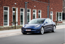 Tesla Model 3 Test Moniteur Automobile/AutoGids