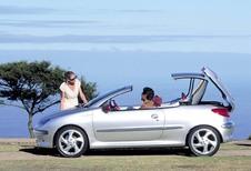 Vintage - 2000 Peugeot 206 CC, bon chic bon genre