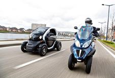 Piaggio MP3 3000 LT en Renault Twizy 80 : Andere invalshoek