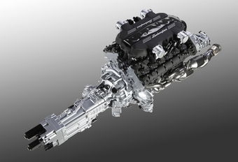 STIERENKLOTEN: Lamborghini's nieuwe V12 #1