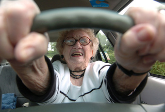 VEILIG AUTORIJDEN: Hoe ouder, hoe beter? #1