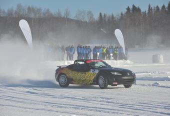 GLIJPLEZIER: Belgen derde in Mazda MX-5 Ice Race #1