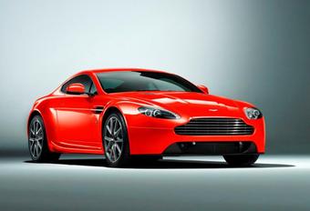 KLEINE SCHOONMAAK: Aston Martin Vantage #1
