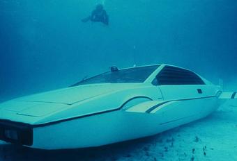 ONDER DE HAMER: James Bonds duikboot-Lotus #1