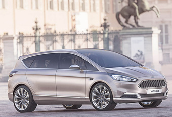 OOK FORD S-MAX DUIKT IN VIGNALE-BAD #1