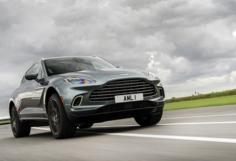 Aston Martin DBX: ridder of mis #1