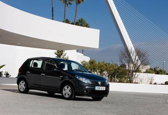 Quatre showrooms Dacia de plus  #1