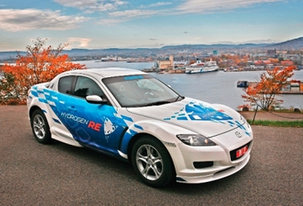 Mazda RX-8 Hydrogen RE sur l'HyNor #1