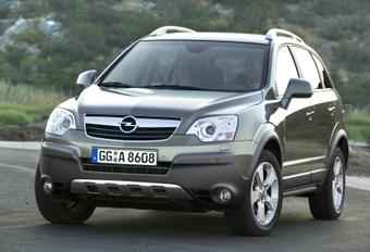 Opel Antara traction avant  #1