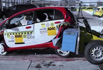 Mitsubishi i-MiEV au crash-test #1