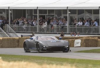 Aston Martin Vulcan: optreden op Goodwood #1
