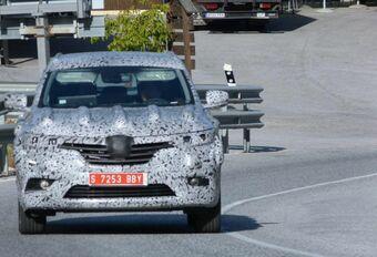 Gros SUV Renault en vadrouille #1