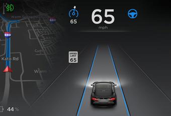 Mise à jour Tesla pour la conduite autonome #1