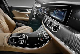 VIDÉO – L'intérieur de la Mercedes Classe E (MAJ 11:20) #1