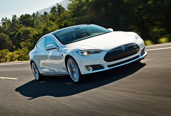 Tesla software-update 7.1 doet minder met meer #1