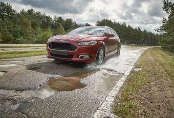 Ford Pothole Mitigation : vol au-dessus d'un nid de poule #1