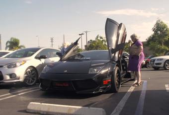 Deux grand-mères en balade en Lamborghini #1