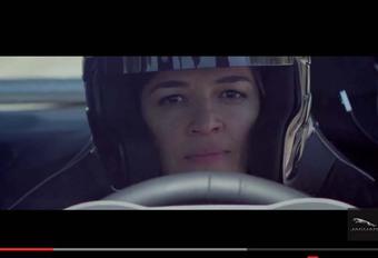 Jaguar huurt Michelle Rodriguez in voor F-Type SVR #1