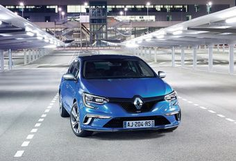 Renault Mégane RS : 4 roues motrices ? #1