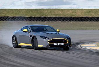 Aston Martin V12 Vantage S à boîte 7 manuelle #1