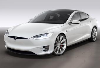 Tesla Model S gaat onder het mes #1